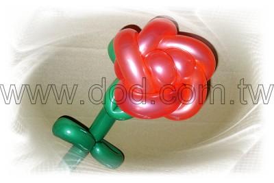 气球玫瑰花:花面直径约12cm;花朵高度约8cm;整支长度